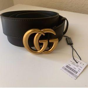 Ėłïø New Gucci Belt Àùthėntíc Gold GG Women